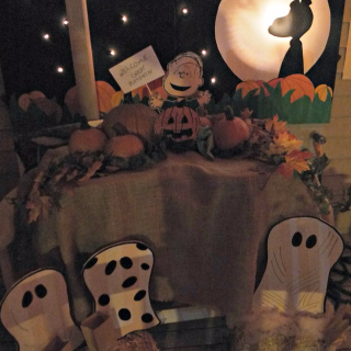 DIY Great Pumpkin Outdoor Porch Decor