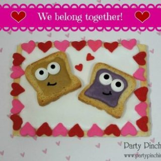 Peanut butter and jelly Valentine, cute food, cute Valentine's Day ideas, fun and easy Valentine's Day dessert snacks for kids, Valentine's day classroom party ideas, fun food for kids, mini toast, pop tarts