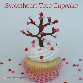 Valentine's Day cupcake sweetheart tree, Valentine's day cupcake cute, easy Valentine's day dessert treats, fun food for kids, cute food, easy and fun Valentine's day classroom party ideas,