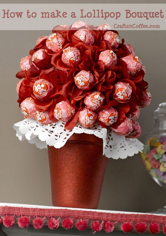 Lollipop flower bouquet DIY craft for Valentine's day, cute rose lollipops, fun class party ideas for kids