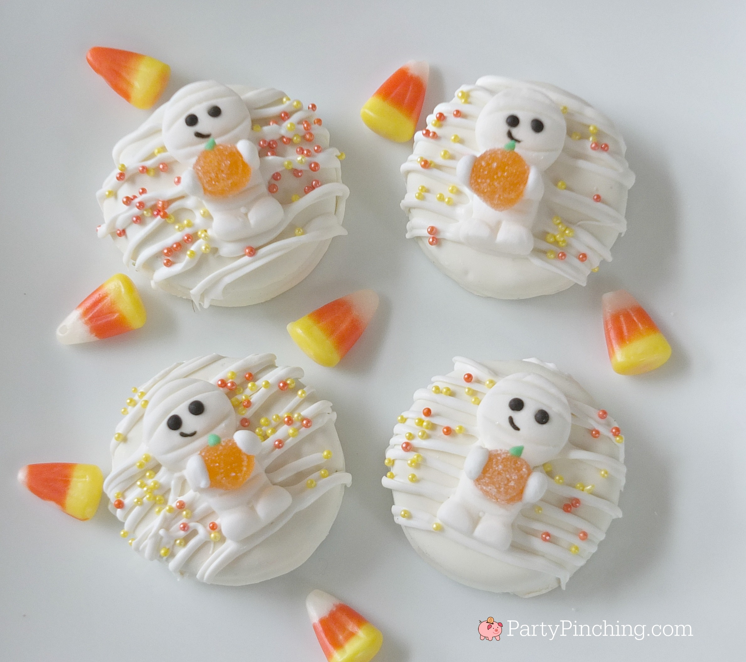 Mummy cookies, cute cookies for Halloween, Oreo Halloween cookies, Halloween treat party food ideas for kids, fun food, sweet treats, kid friendly food, Wilton