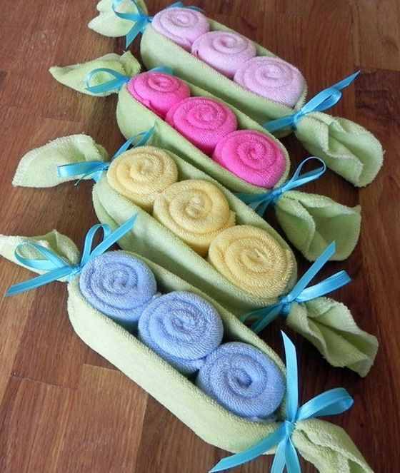 pea pod baby sock gift, baby shower ideas, cute baby shower, best baby shower ideas, baby shower cake, fun games for baby shower, baby shower food