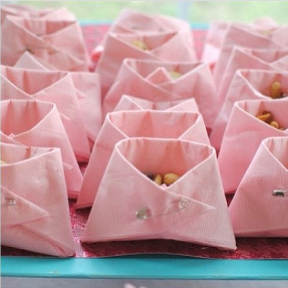 baby diaper napkin snacks, baby shower ideas, cute baby shower, best baby shower ideas, baby shower cake, fun games for baby shower, baby shower food