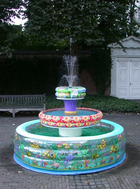 diy kiddie pool water fountain, inflatable fountain, awesome ideas to keep kids busy summer, backyard party ideas , Best summer backyard games and outdoor activities for kids, diy summer projects for kids,fun ideas for kids summer , fun summer ideas for children, lots of summer activities for kids, outdoor games for summer