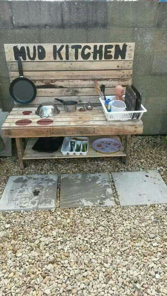 outdoor mud kitchen diy pallet for kids, awesome ideas to keep kids busy summer, backyard party ideas , Best summer backyard games and outdoor activities for kids, diy summer projects for kids,fun ideas for kids summer , fun summer ideas for children, lots of summer activities for kids, outdoor games for summer,