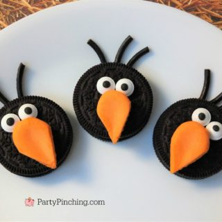crow cookies, fall harvest halloween cookies, easy fall cookies, halloween cookies for class parties, fun food for kids, sweet treats for harvest party ideas, cute crow bird cookies