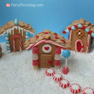easy Christmas treats, fun and easy Christmas dessert treat party ideas, sweet Christmas holiday treats, cute Christmas dessert cookie ideas, Christmas cake ideas, fun holiday food for kids, sweet treats, cute food