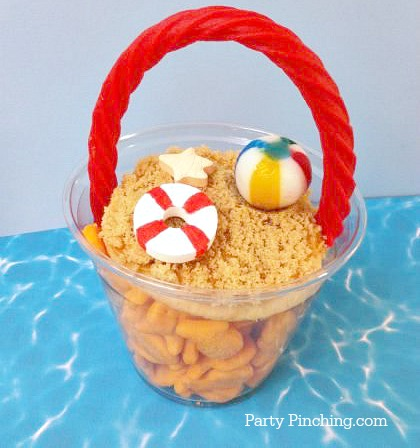 summer snack ideas, goldfish crackers, cute summer food, beach theme party ideas, cute beach pail snack take and go, easy summer snack, cute snack for beach theme party, summer treat idea, crafty food for kids, partypinching.com