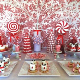Christmas sweet treats, cute food, hot cocoa marshmallow cookies, easy dessert for the holidays, Christmas party table for kids