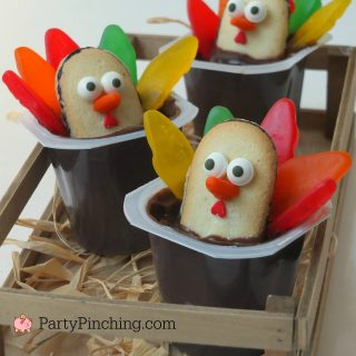 Thanksgiving Pudding Cups, Thanksgiving treat dessert ideas for kids, fun food for kids, easy and quick Thanksgiving dessert ideas, pudding cups, cute food,