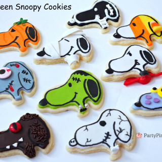 Halloween Snoopy cookies, great pumpkin Charlie Brown party, Peanuts cookies, mummy, zombie, Dracula, Frankenstein, monster, ghost, werewolf, candy corn, pumpkin, skeleton cookies