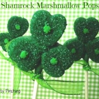 St. Patrick's Day marshmallow pops, St. Patrick's day dessert treat idea, cute food, fun food for kids, St. Paddy's day dessert idea party