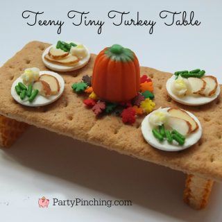 Thanksgiving Teeny Tiny Turkey Table, cute food , Thanksgiving treat dessert craft, mini food, fun food for kids, Thanksgiving table candy, fun Thanksgiving dessert ideas