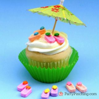 flip flop cupcakes, summertime snacks, cute summer cupcake cake cookie treat dessert, easy summer desserts, fun food for kids, cute food, Pez candy flip flops