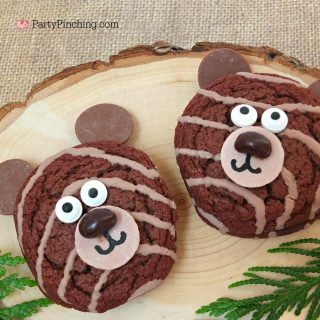 Little Debbie fudge rounds, bear cookies, cute bear cookies cake snack, cute food, fun food for kids