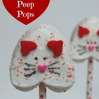 Valentine's Day kitten marshmallow pops, Peep heart pops. cute kitty marshmallow pops, kitten Valentine's Day, cute food, fun food for kids, Valentine's Day classroom party ideas, easy Valentine's day dessert treats