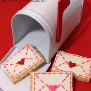 Valentine's day love letter mailbox treat, Valentine rice krispie treat, easy Valentine's Day dessert, fun food for kids, cute food, easy and fun Valentine's day classroom party ideas