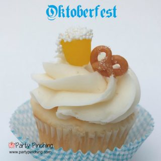 Oktoberfest party,. easy to make Oktoberfest cupcake, Oktoberfest dessert, beer cupcake, pretzel cupcake, oktoberfest party berfest party ideas, Oktoberfest beer and pretzel cupcake, cute food, fun food, mug of beer candy, caramel pretzel