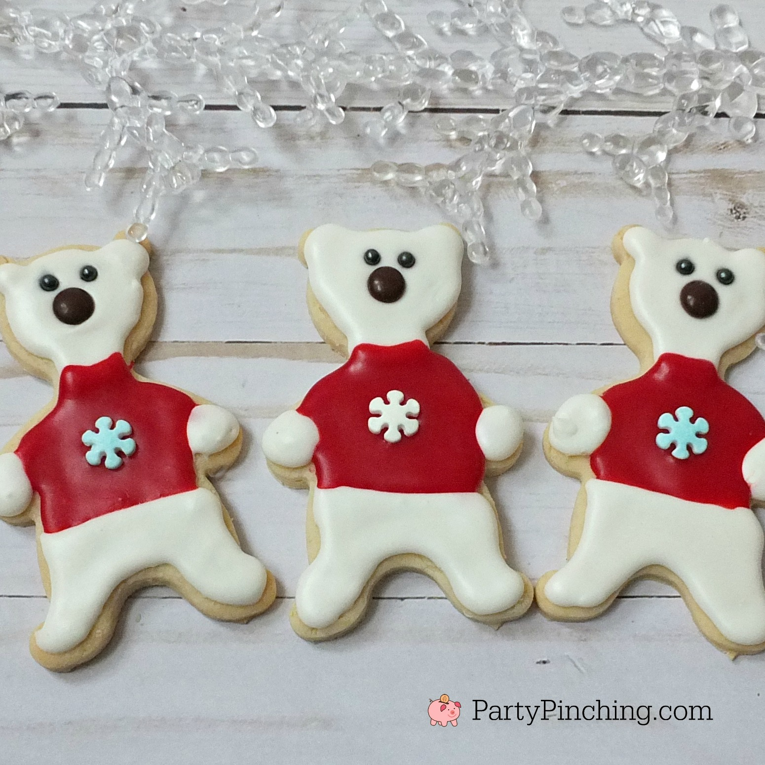 Polar bear cookies, cute polar bear cookies, winter Christmas cookies, fun food for kids, sweet treats, bear cookies, bears with sweater cookies, adorable cookie ideas