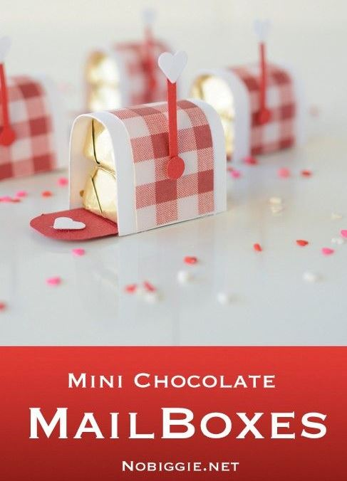 DIY Mini chocolate mailbox Valentine's day craft, cute Valentine's day card fun classroom treat idea for kids