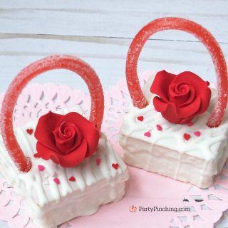 Valentine Snack Cake Baskets