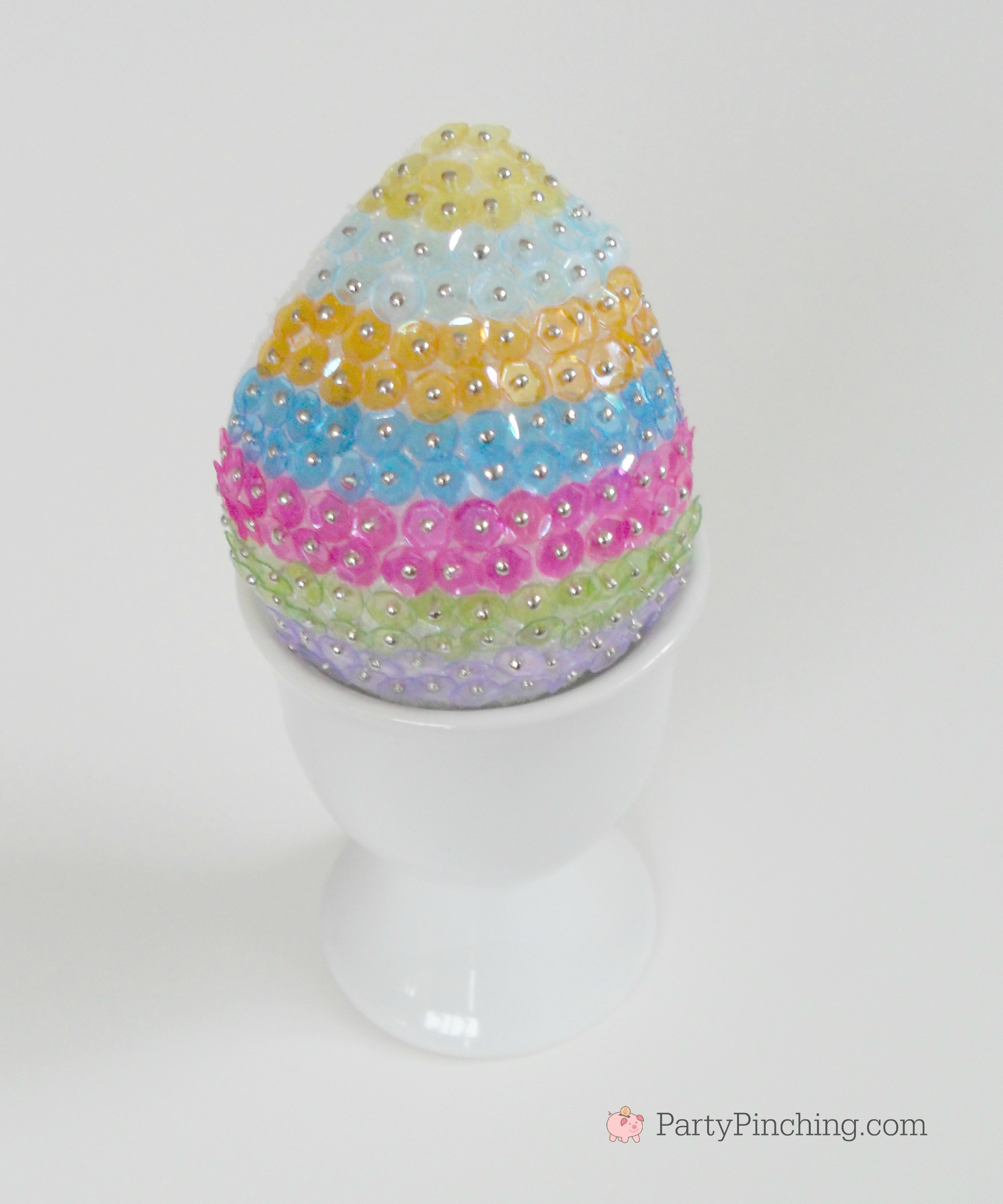 sequin egg craft, easy DIY Easter egg craft, cute Easter egg idea, beautiful pretty gorgeous Easter egg decor