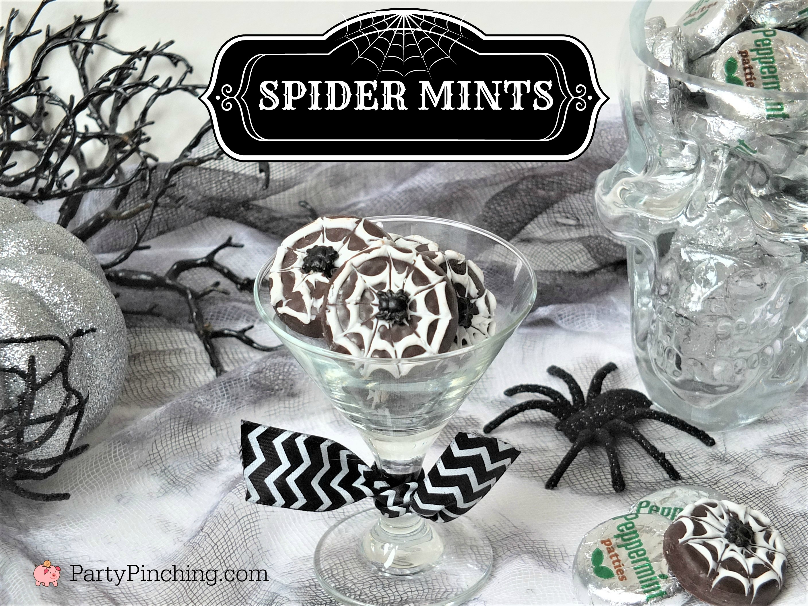 spider mints, mint patties for Halloween, easy Halloween dessert treat, fun food for kids, Halloween party ideas, cute food, spider web dessert