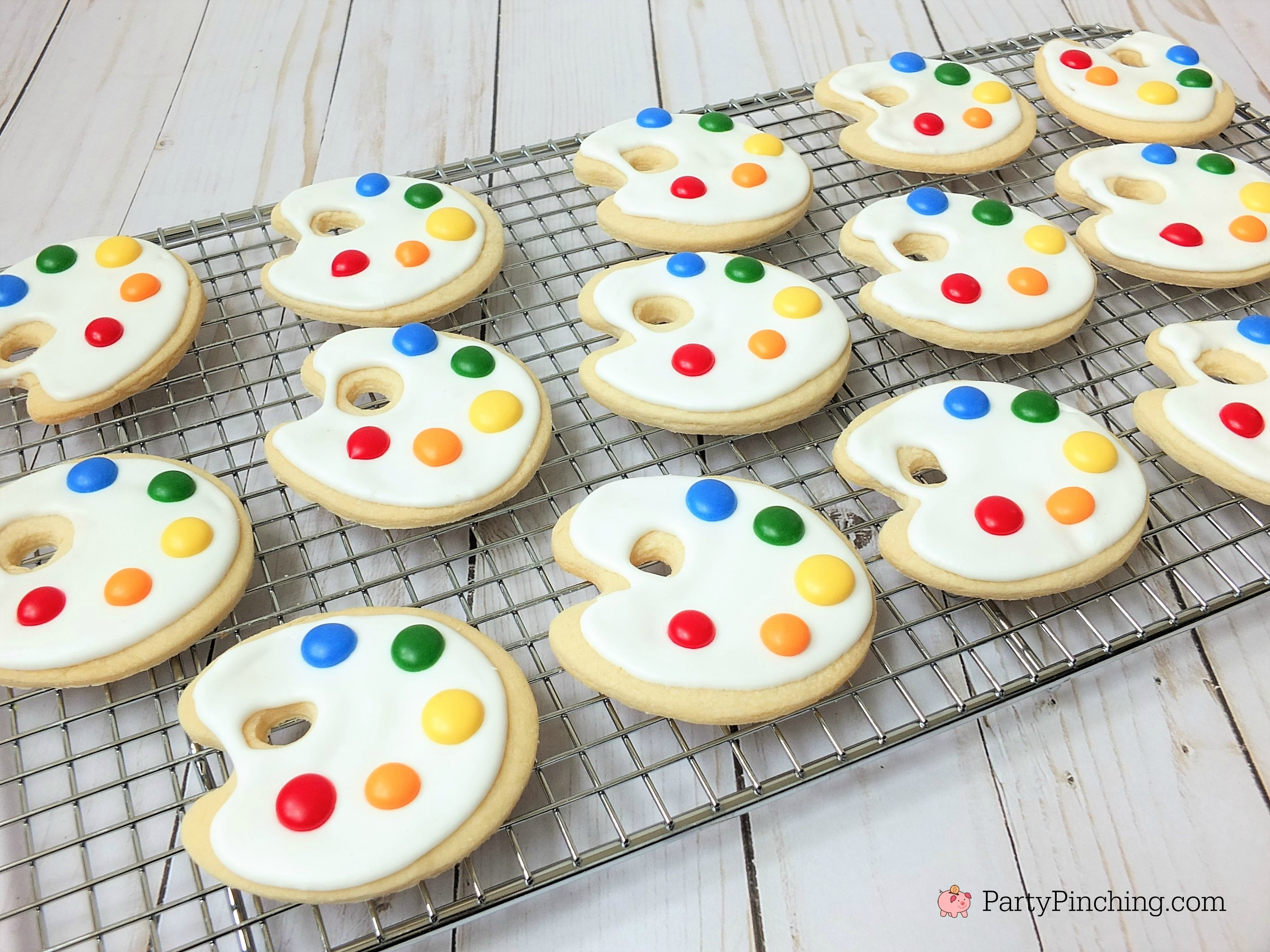 art cookies, art palette cookies, cute treats and food for art theme party, art party ideas, paint cookies