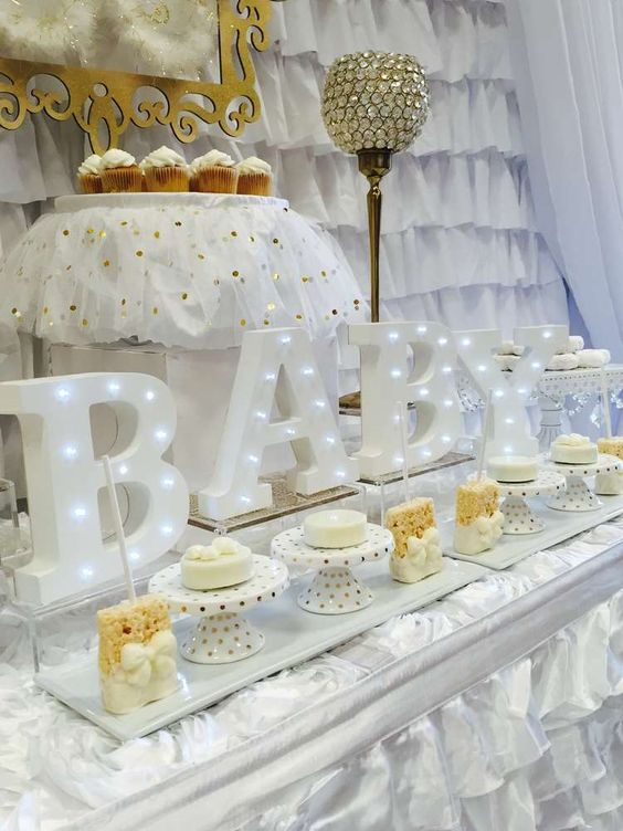 pretty white & gold baby shower, baby shower ideas, cute baby shower, best baby shower ideas, baby shower cake, fun games for baby shower, baby shower food