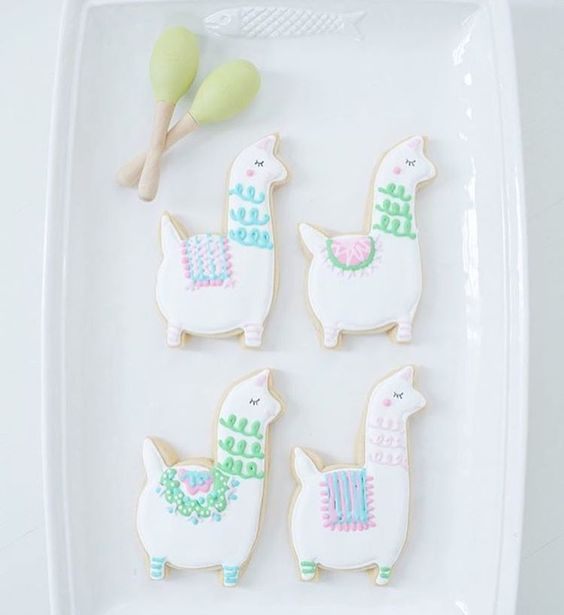 llama cookies baby shower, baby shower ideas, cute baby shower, best baby shower ideas, baby shower cake, fun games for baby shower, baby shower food