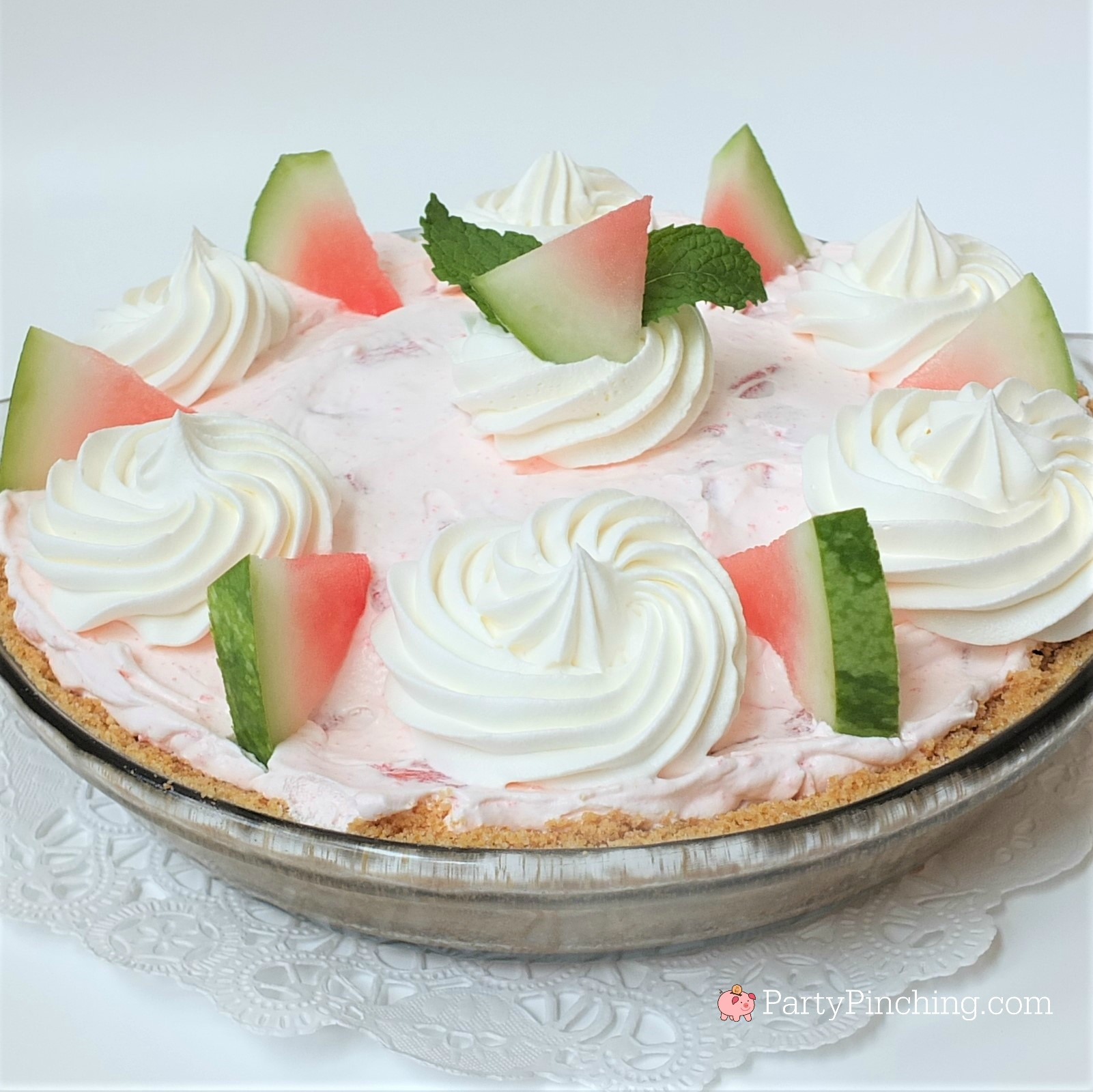 watermelon pie, easy creamy watermelon pie, fluffy watermelon pie for summer, jolly rancher jello watermelon pie, potluck picnic desserts for 4th of July, no-bake pie, summer dessert ideas