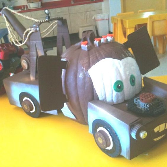 Tow mater cars pumpkin, painted pumpkin, carved pumpkin ideas, Halloween pumpkins, cute pumpkins, pumpkin decorating ideas for kids, easy pumpkin decorating ideas, Halloween party ideas, pumpkin decorating ideas, no-carve pumpkins