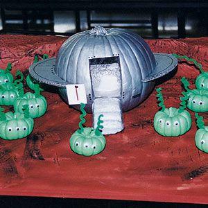 spaceship alien green men pumpkin, painted pumpkin, carved pumpkin ideas, Halloween pumpkins, cute pumpkins, pumpkin decorating ideas for kids, easy pumpkin decorating ideas, Halloween party ideas, pumpkin decorating ideas, no-carve pumpkins