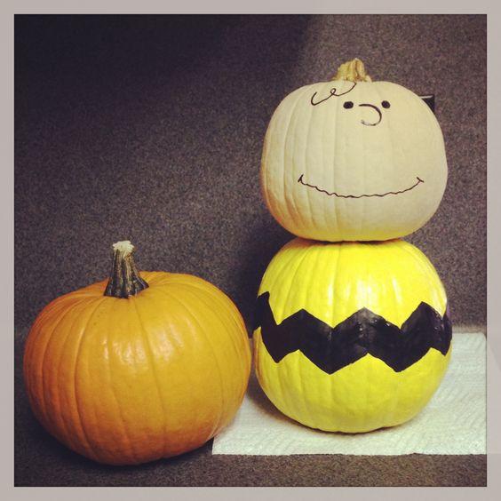 charlie brown pumpkin, painted pumpkin, carved pumpkin ideas, Halloween pumpkins, cute pumpkins, pumpkin decorating ideas for kids, easy pumpkin decorating ideas, Halloween party ideas, pumpkin decorating ideas, no-carve pumpkins