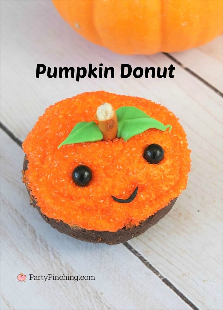 Halloween mini donuts, cute Halloween donuts, spider donut with hat, mummy donut, black cat donut, purple eye monster donut, cute pumpkin donut, Halloween class room party ideas, easy Halloween dessert party ideas, Little Debbie double chocolate mini donuts