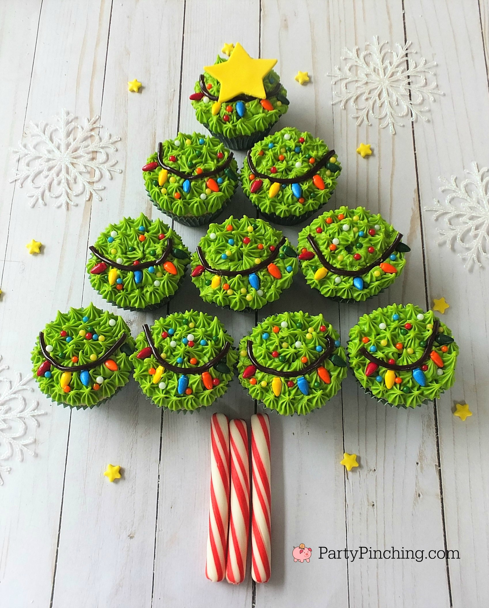 Christmas tree cupcakes with string of lights sprinkles - Best way to light a christmas tree ...