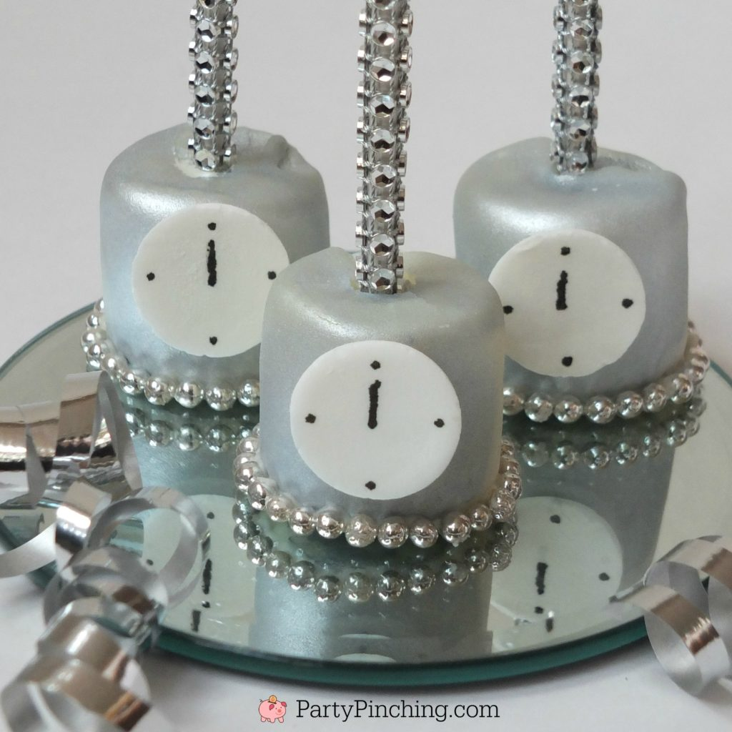 New year's eve marshmallow clock pops, easy new year's eve dessert party ideas, party pinching new year's eve