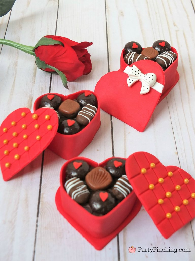 Mini Valentine Candy Box Cakes Best Valentine S Day Food Recipe Ideas