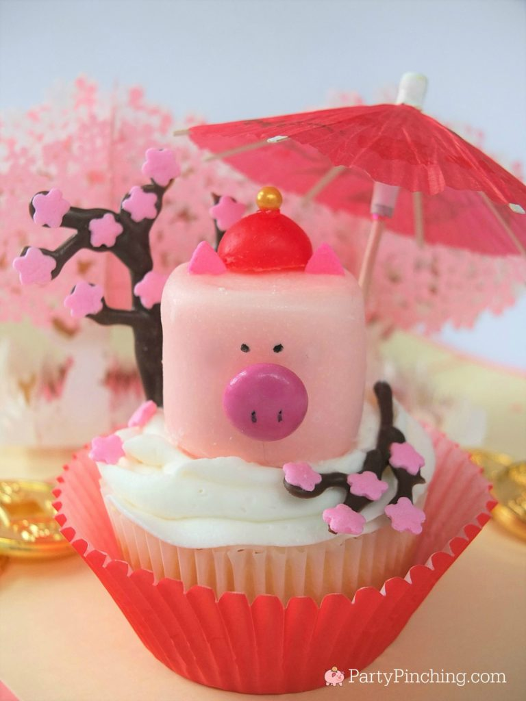 Pig Marshmallow Cupcakes - Chinese Lunar New Year Food Recipes