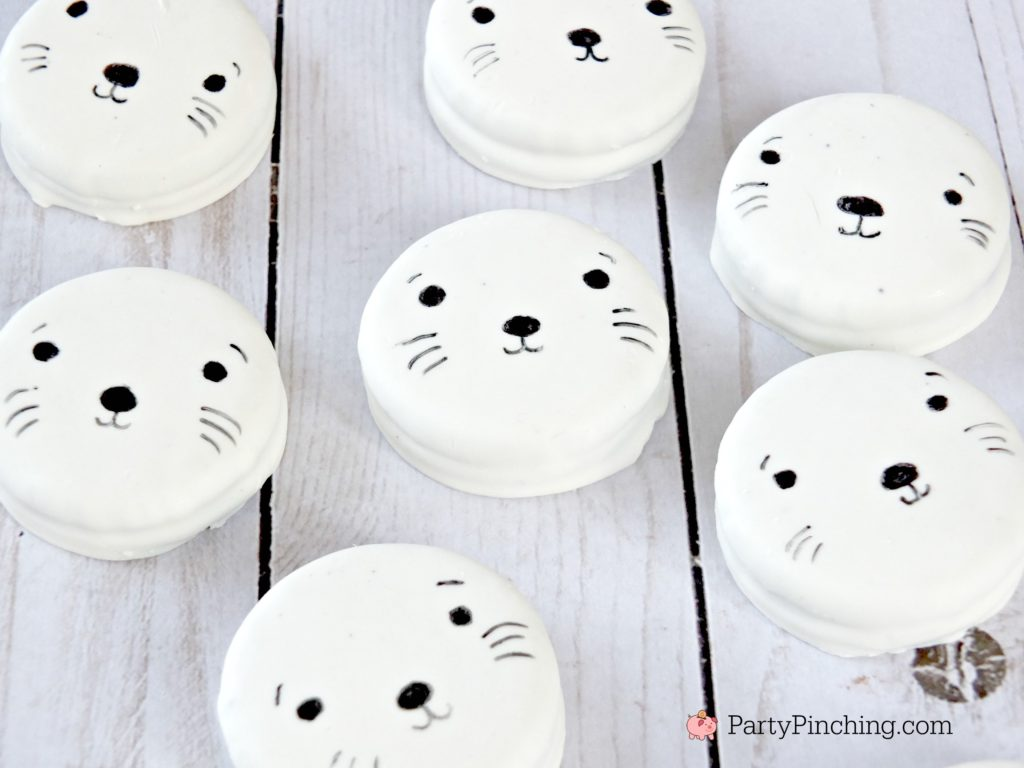 Baby white seal oreo cookies, cute baby seal cookies, best seal cookies, best baby seal cookie recipe, cute Valentine's day cookies for kids, sweet treats for the holidays, fun food recipes