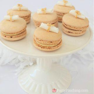 graduation macarons, pretty gold macarons, diploma macarons, gold glitter macarons, best macaron recipe, beautiful macarons macaroons