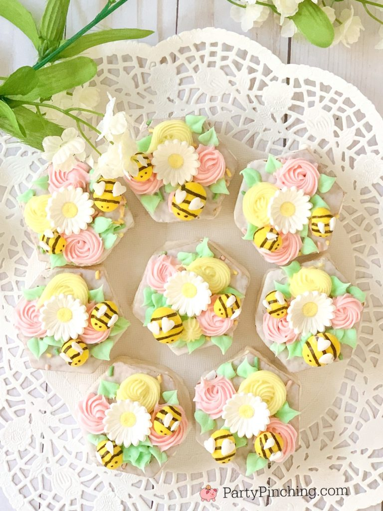 Bee cakes, cute bee cakes for Easter baby showers, bee birthday cakes, Little Debbie Easter Basket Cakes, bee spring cakes pastel cakes, best bee cakes, best Easter cake recipes, best bee theme party ideas,