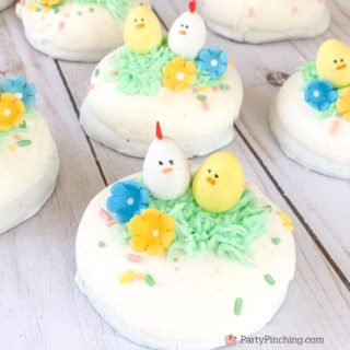 Spring Chicken Marshmallow puffs, Little Debbie Easter Marshmallow Puffs, cute chicken cupcakes, adorable spring chicken Easter cupcakes easy to make, no bake Easter desserts, best no bake cupcake recipe ideas, sweet treats, fun food for kids