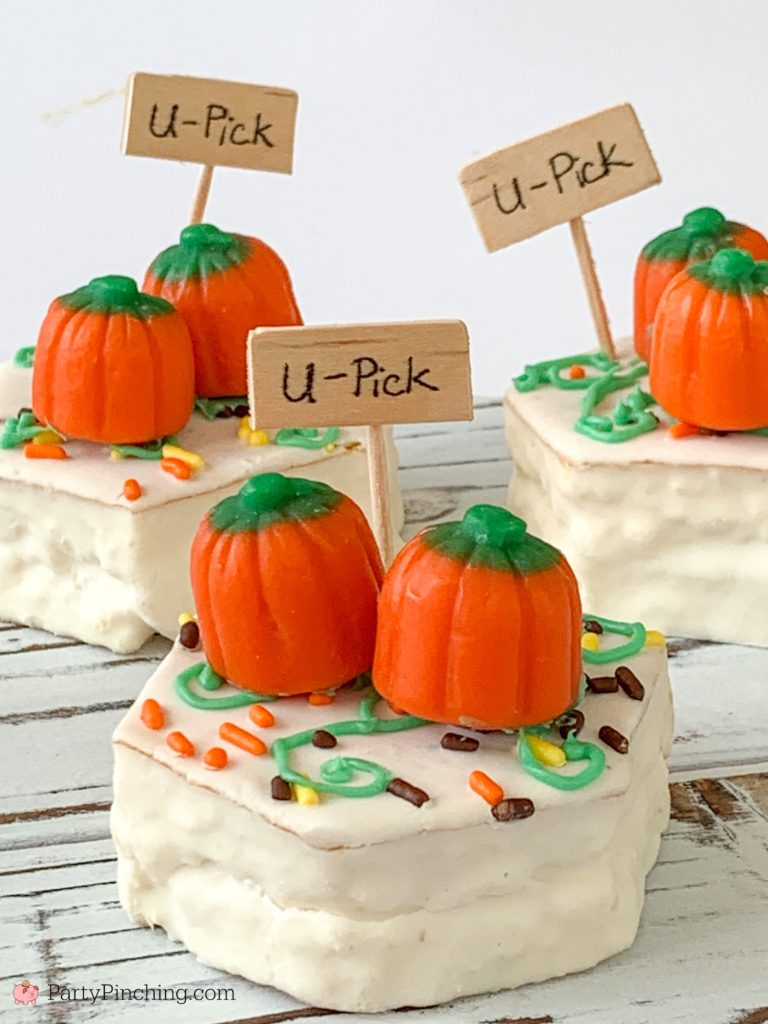 Pumpkin Patch Snack Cake, Little Debbie Fall Party Cakes, Best Harvest Party Ideas for Kids, Best Halloween Party Recipes, Fun Food for Kids, Cute Pumpkin Patch Treat, Easy School Party Ideas