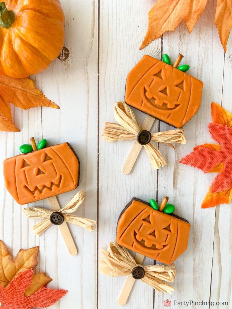Little Debbie Pumpkin Brownie Pops, Best Halloween Recipes, Easy Best Fall Harvest Halloween Recipes, Halloween Party Ideas, Harvest Party Ideas, Fun School Party Ideas, Cute Pumpkin Brownies