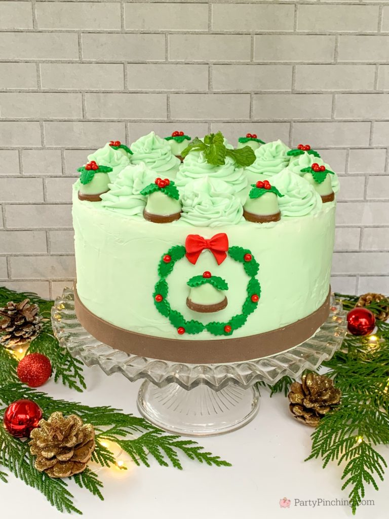 Minty Bells Chocolate Cake by RM Palmer, Best Christmas Cake Recipe, Best Chocolate Mint Cake, Beautiful Christmas Cake, Bell Cake, Wreath Cake